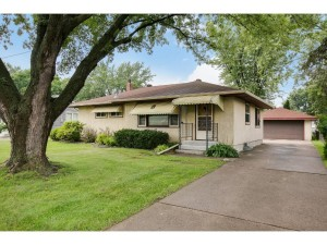 2719 Apache Road N North Saint Paul, Mn 55109