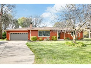 960 Manor Court Hastings, Mn 55033