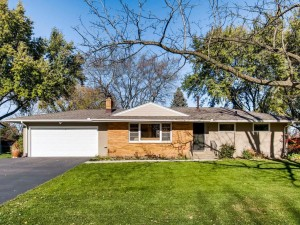 803 County Road B2 W Roseville, Mn 55113