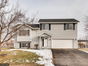 705 Maple Circle Belle Plaine, Mn 56011