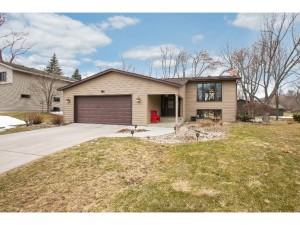 10700 Lake Fall Drive Eden Prairie, Mn 55347