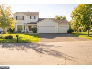 207 2nd Street Nw Saint Michael, Mn 55376
