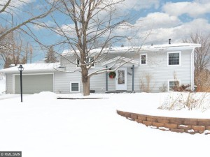 269 Pinewood Drive Apple Valley, Mn 55124