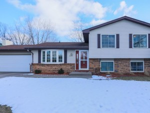 8324 Penn Avenue N Brooklyn Park, Mn 55444