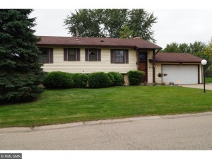 405 Walnut Lane Apple Valley, Mn 55124