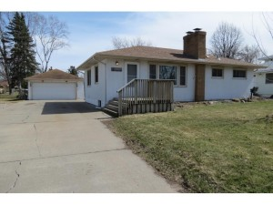 2712 Mcknight Road N North Saint Paul, Mn 55109