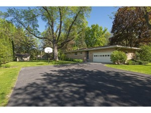 3216 Williams Drive Burnsville, Mn 55337