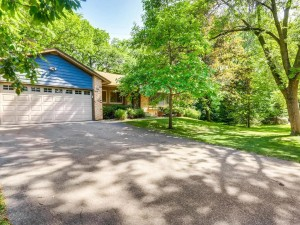 1764 Hickory Hill Drive Eagan, Mn 55122