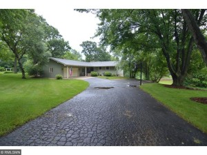 13607 Pleasant Lane Burnsville, Mn 55337