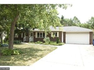 1361 Pike Lake Drive New Brighton, Mn 55112