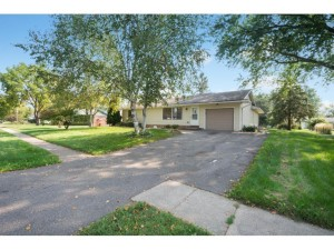 948 Cortland Drive Apple Valley, Mn 55124