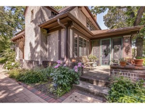 11 Crocus Hill Saint Paul, Mn 55102