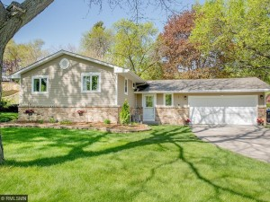 952 Brooks Avenue W Roseville, Mn 55113