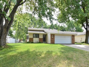8032 James Avenue N Brooklyn Park, Mn 55444