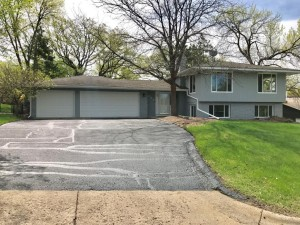 831 Bluebill Bay Road Burnsville, Mn 55306