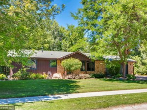 113 Chaparral Drive Apple Valley, Mn 55124