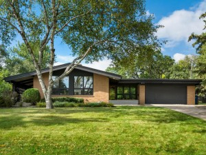 2485 Orkla Drive Golden Valley, Mn 55427