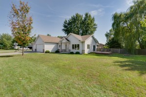 1774 11th Avenue E Shakopee, Mn 55379
