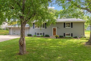 3232 Independence Avenue N New Hope, Mn 55427