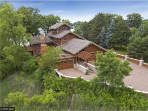 4300 Dellwood Lane Shorewood, Mn 55364
