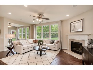 549 Sweetwater Path Chaska, Mn 55318