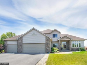 10057 Maplewood Circle N Champlin, Mn 55316