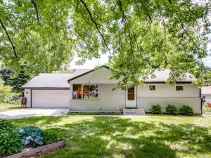 2726 Churchill Street Roseville, Mn 55113