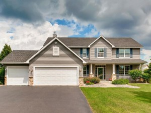 592 Summerfield Drive Chanhassen, Mn 55317