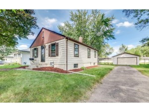 5220 Drew Avenue N Brooklyn Center, Mn 55429