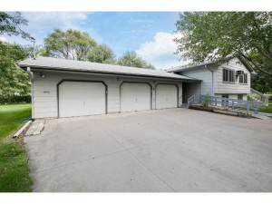 10102 Xenia Avenue N Brooklyn Park, Mn 55443