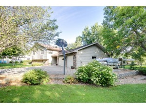 12112 Edgewood Court N Champlin, Mn 55316
