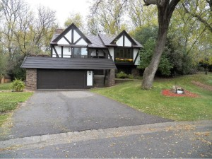 8469 142nd Street Court Apple Valley, Mn 55124