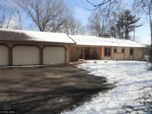 16 E Oaks Road North Oaks, Mn 55127