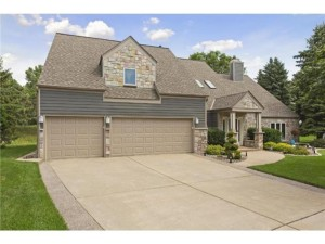5304 River Bluff Circle Bloomington, Mn 55437