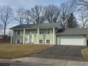 5171 Red Oak Drive Mounds View, Mn 55112