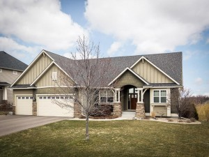 2066 Valley Creek Lane Shakopee, Mn 55379