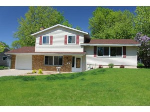 8324 32nd Place N Crystal, Mn 55427