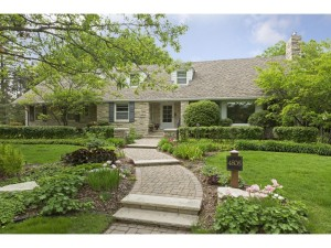 4808 Woodhill Way Edina, Mn 55424