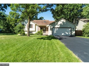 9713 Oliver Avenue N Brooklyn Park, Mn 55444