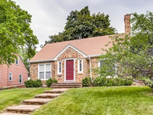 895 Hawthorne Avenue E Saint Paul, Mn 55106