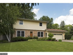 3544 Elmwood Place Minnetonka, Mn 55345