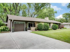 2135 Noble Avenue N Golden Valley, Mn 55422