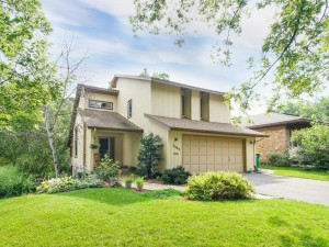 3442 Hampshire Avenue N Crystal, Mn 55427