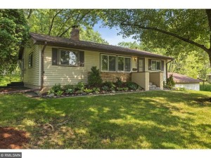 3433 Robinwood Terrace Minnetonka, Mn 55305