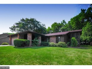 10322 Toledo Circle Bloomington, Mn 55437
