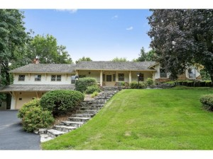 13651 Oakwood Curve Burnsville, Mn 55337