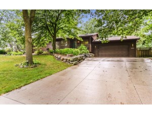 16935 Kenmore Drive Lakeville, Mn 55044