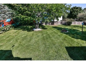 853 Whitney Drive Apple Valley, Mn 55124