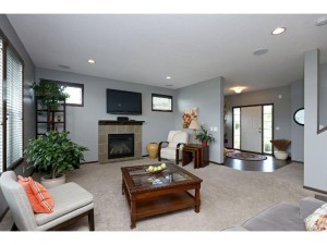 21440 Hyalite Drive Lakeville, Mn 55044