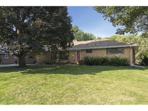 3833 Hampshire Avenue N Crystal, Mn 55427